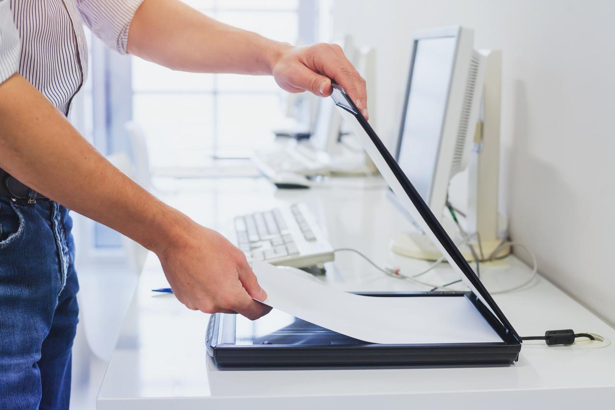 Digitalisierung Papier Computer Scannen - In 6 Schritten zur erfolgreichen DMS Einführung
